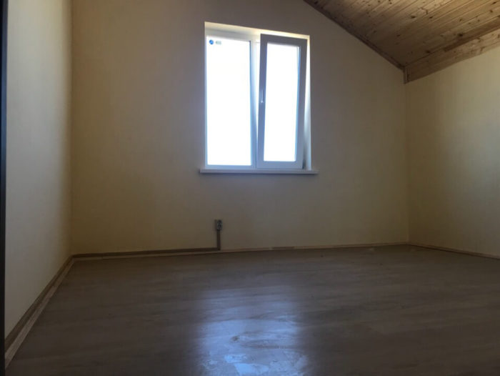Первая спальная комната на 2-ом этаже